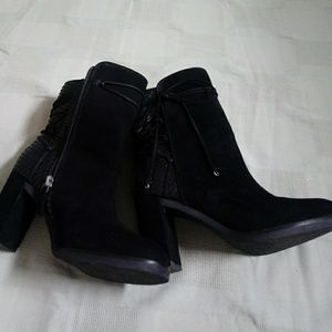 Johnston & Murphy quality womens boots 7.5M